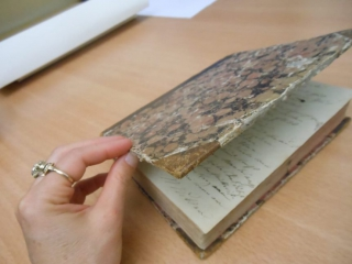 Dagboekje dat Bettina haar dochter Maxe cadeau deed, op 1e pg bijschrift van Bettina. Archiven Goethemuseum Frankfurt